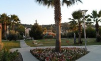 De tuin van Hotel Aqua Fantasy